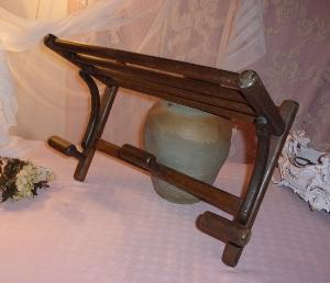 joli petit vestiaire ancien. Black Bedroom Furniture Sets. Home Design Ideas