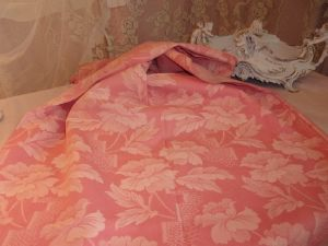 BELLE TOILE A MATELAS ANCIENNE FLEURIE  ROSE