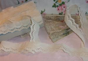 broderie anglaise  vintage 2 mètres