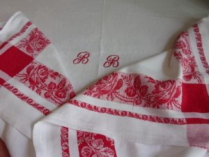 NAPPE ANCIENNE JOLIES ROSES   ))))
