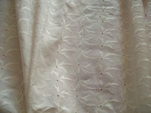 TISSU ANCIEN BRODERIE ANGLAISE